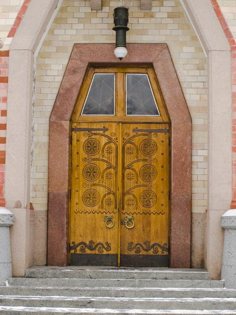 Центральный вход в Краеведческий музей