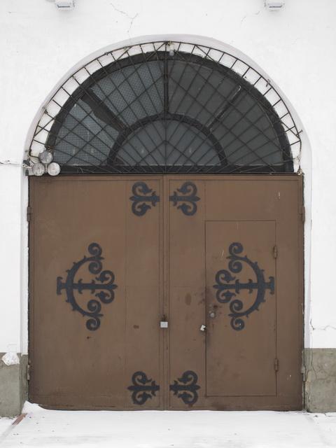 ворота колокольни Успенского собора. Колокольня дожила до наших дней с 1801 года.